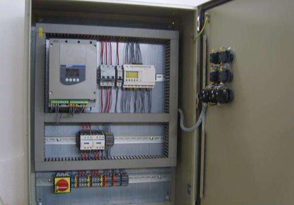 Шкаф управления Grundfos с частотным преобразователем